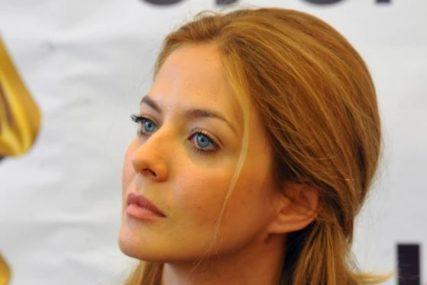 Pršte pohvale za IZGLED: Nina Janković prvi put pokazala trudnički stomak (FOTO)