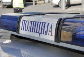 PRIJAVA PROTIV NASILNIKA Napao ženu, pa joj oštetio automobil