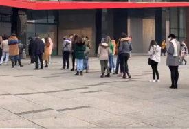 """""""CRNI PETAK"""" DIGAO I POLICIJU NA NOGE Tržni centar u Sarajevu kažnjen sa 3.500 KM, ostao otvoren samo jedan ulaz"""