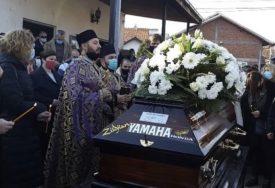 TO JE BILA NJEGOVA STRAST Zbog detalja na kovčegu Bojana Zlatanovića MNOGI SU ZAPLAKALI