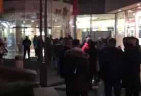 KAO DA NEMA KORONE Inspekcija zbog gužvi kaznila još jedan tržni centar u Sarajevu