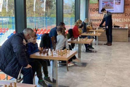 PROMOCIJA SPORTA I PORODICE U šahu uživali roditelji i djeca