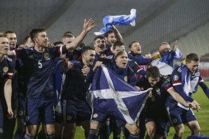 ZASLUŽILI SU DA SE RADUJU Pogledajte slavlje škotskih navijača i igrača (VIDEO)
