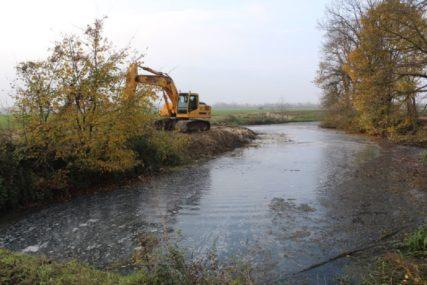 ZAŠTITA OD POPLAVA U čišćenje kanalske mreže ulažu 1,4 miliona KM
