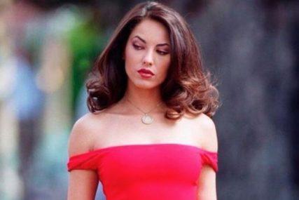 Prije 16 godina glumila je NAJLJEPŠU ZLOBNICU Rubi, a danas ima 42 i izgleda PREDIVNO (FOTO)