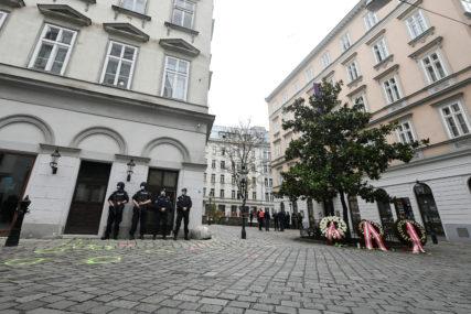 NEMA KRŠENJA POLICIJSKOG ČASA Na ulicama Austrije mirno, u bolnicama se zaoštrava situacija