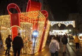 UPALJENE NOVOGODIŠNJE LAMPICE Beograd zasijao, Grinč neće ukrasti praznike