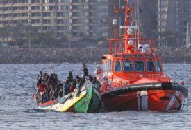 AKCIJA KOD DENKEREKA Brod se našao u nevolji, spaseno 40 migranata