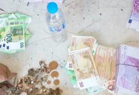 UHAPŠENI NA GRANICI Bugari pokušali da prokrijumčare 210.650 evra i pola kilograma ZLATA
