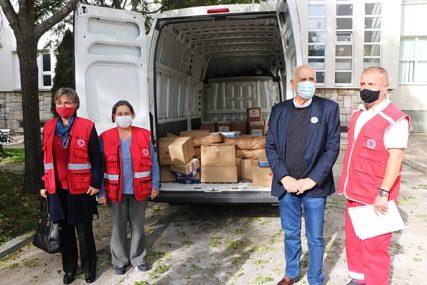 POMOĆ U VRIJEME KORONE Donacija bolnici u Trebinju od Crvenog krsta