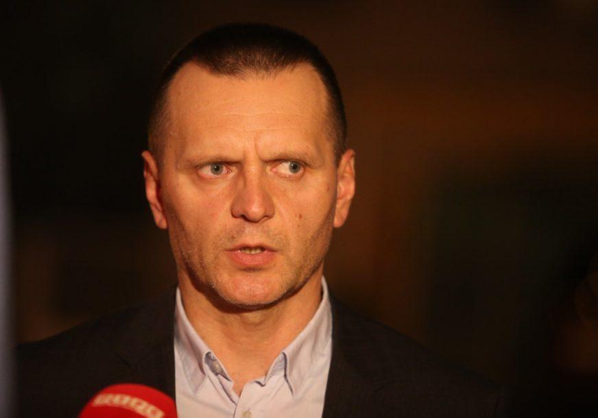 """""""Nećemo odustati"""" Lukač poručuje da je MUP opredijeljen da očisti redove od KORUMPIRANIH PRIPADNIKA"""