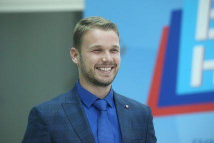 Stanivuković čestitao školsku slavu: Ulaganje u znanje je NAJSIGURNIJA INVESTICIJA