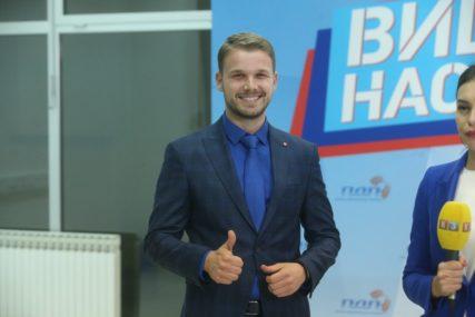 """""""JAVNO ME ISMIJAVALI, TAJNO POKUŠAVALI DA ME KUPE"""" Stanivuković otkriva šta mu je POZNATI POLITIČAR nudio da napusti PDP (VIDEO)"""