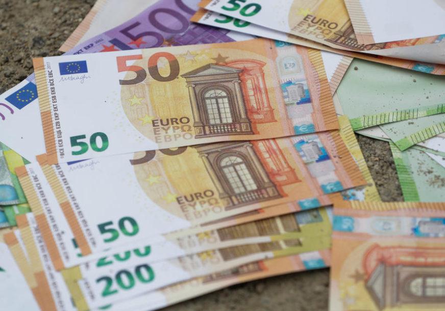 SANIRANJE POSLJEDICA ZARAZE Podrška EU u rješavanju socijalnih i ekonomskih efekata pandemije