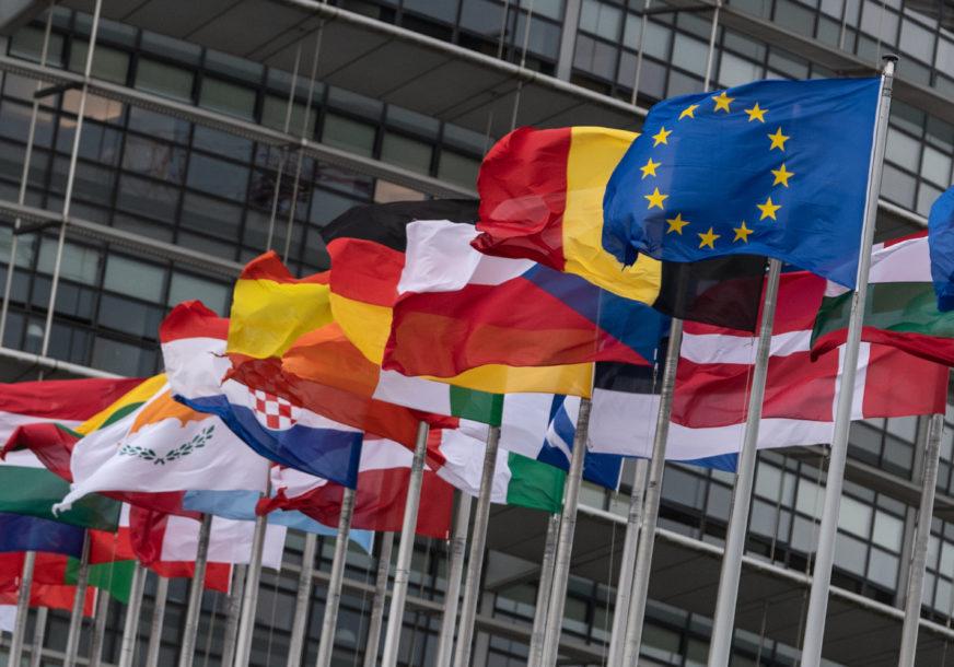 """VARHELJI POZDRAVIO POSVEĆENOST CRNE GORE """"Slijedi saradnja s Krivokapićem na ubrzanju pristupanja EU"""""""