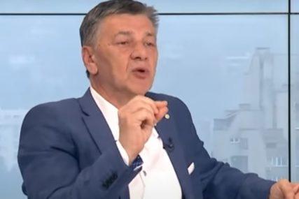 """""""MIZERNA DONACIJA 10.000 VAKCINA"""" Gradonačelnik Zenice smatra da je to čin zbog kojeg treba da se podnese ostavka"""