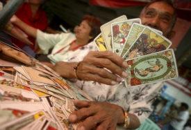 """GATARE I VIDOVNJACI """"OPERIŠU"""" NA MREŽAMA Obećavao da će od jedne da napravi tri novčanice, OSTALI BEZ 100.000 EVRA"""