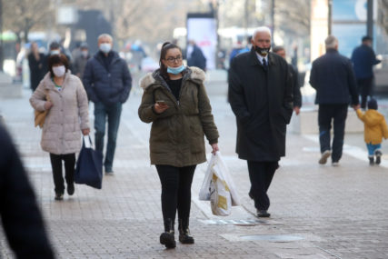 KORONA BROJKE I DALJE VELIKE U svijetu virusom zaraženo više od 25 miliona osoba