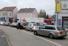 Vozači, budite strpljivi: Gužve na graničnim prelazima Gradiška, Donja Gradina i Rača