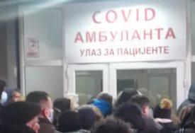 """""""LJUDI SU BIJESNI I OČAJNI"""" Šok snimci ispred kovid ambulanti, došlo i do KOŠKANJA (VIDEO)"""