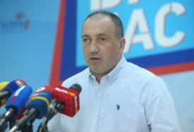 OBJAVITE SPISAK JAVNIH NABAVKI Crnadak uputio otvoreno pismo  Cvijanovićevoj i Viškoviću