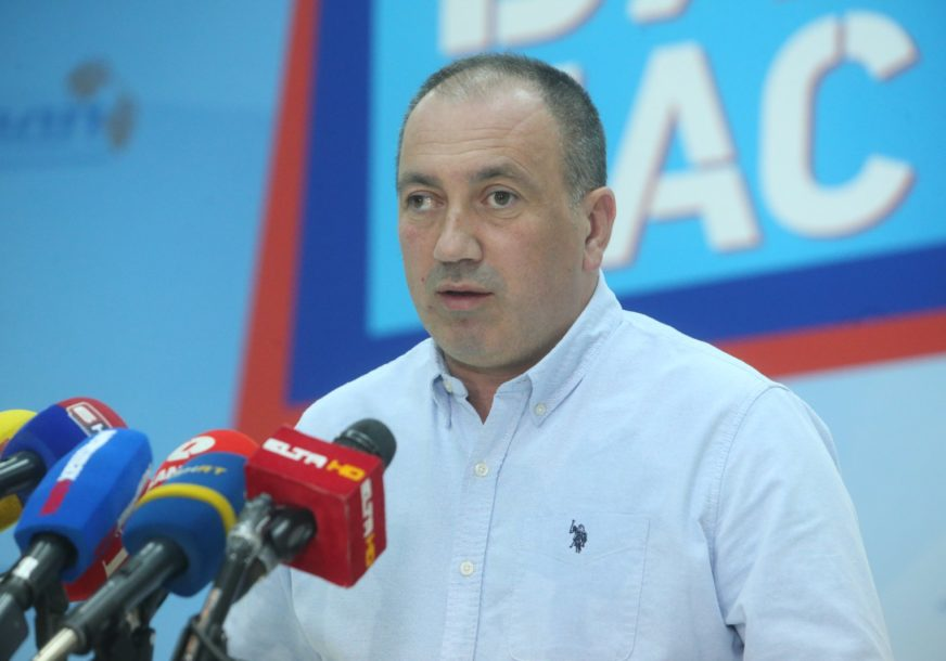 """""""INSTITUCIJE KULTURE BEZ PODRŠKE"""" Crnadak nezadovoljan radom Savjeta ministara"""