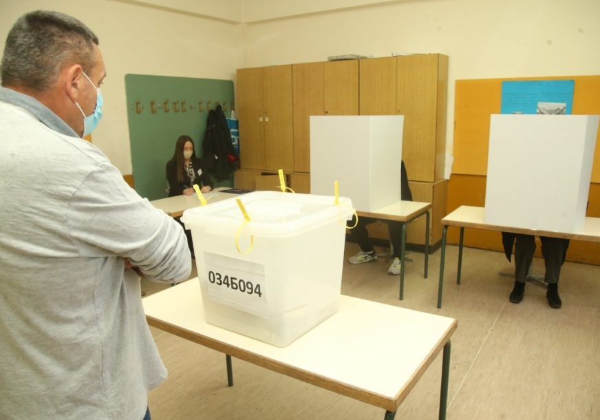 """Dok neki ne završe u zatvoru, neće biti POŠTENIH IZBORA: Može li novi zakon zaustaviti """"bugarske vozove"""""""