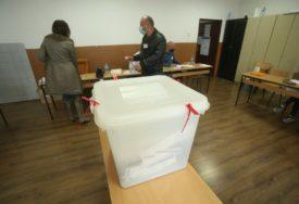 Koalicija Pod lupom angažovala više od 100 posmatrača u Ustikolini i Travniku