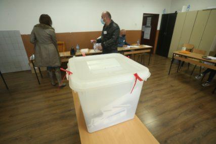 DESET MANDATA IMA SDS, DEVET SNSD Predstavnici sedam stranaka u Skupštini opštine Teslić