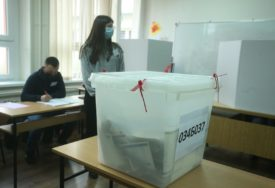 Počela izborna tišina uoči sutrašnjih lokalnih izbora na Kosovu i Metohiji