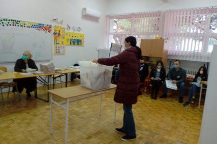 DOBOJ, SREBRENICA I MOSTAR Centralna izborna komisija BiH podnosi krivične prijave protiv članova biračkih odbora