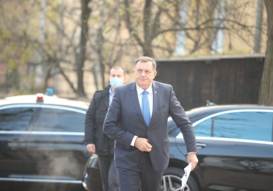 """Nemam pravo da se povučem"" Dodik poručuje da ne gubi izbore"