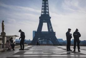 DA LI ĆE BITI NOVIH OGRANIČENJA Francuska preispituje zakon o broju ljudi u crkvama
