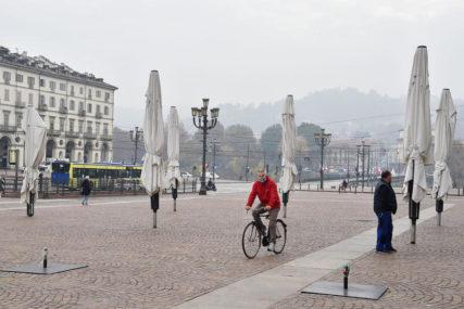"""POOŠTRAVAJU SE OGRANIČENJA Italija proširuje """"crvene zone"""", juče oboren rekord novozaraženih"""