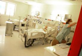 TREĆINA IMA TEŠKU KLINIČKU SLIKU Svaki drugi pacijent u UKC RS na nekom vidu respiratorne podrške zbog korone