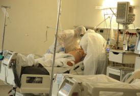 NIMALO OHRABRUJUĆE Bolnice se opet pune, na respiratorima više pacijenata