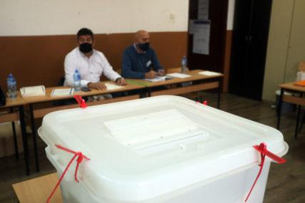 UOČENE NEPRAVILNOSTI Glasove ponovo broje na šest biračkih mjesta u Foči