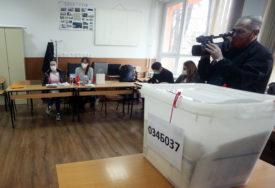 UTVRĐENE NEPRAVILNOSTI CIK naredio ponovno brojanje listića na biračkim mjestima u sedam opština