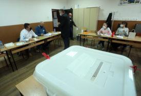 Stanovnici dvije opštine u FBiH biraju načelnika: Otvorena birališta u Travniku i Ustikolini