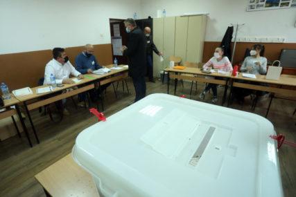 ZBOG UTVRĐENIH NEPRAVILNOSTI Danas brojanje glasačkih listića sa pojedinih biračkih mjesta u BiH