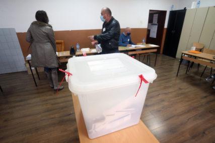 """""""U startu zakinuti za hiljade glasova"""" Probosanske stranke donijele odluku da bojkotuju ponovljene izbore u Srebrenici"""