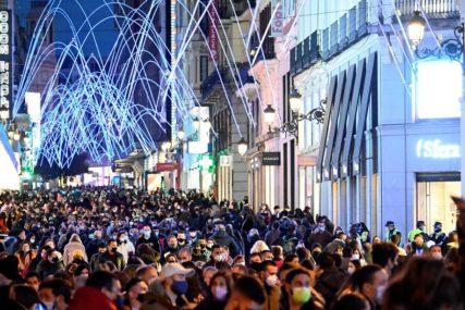 "BLIŽI SE SEZONA PRAZNIKA Španija poziva na ""zdrav razum"" nakon šoping gužvi"