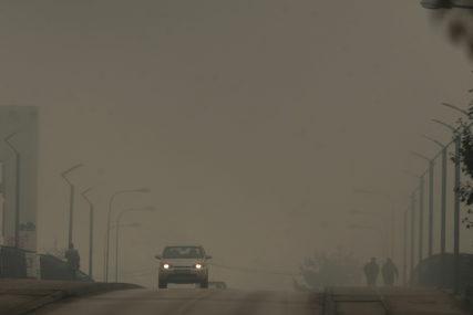 VOZAČI, OPREZNO! Magla smanjuje vidljivost u kotlinama i uz rijeke