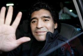 """JOŠ NISU OPROSTILI 1986. GODINU """"Maradona je sad u Božijim rukama"""" (FOTO)"""