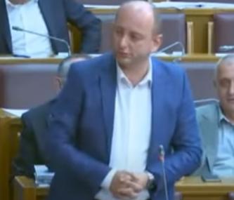 """KNEŽEVIĆ PORUČIO """"Crnu Goru očekuje ozbiljna institucionalna kriza"""""""