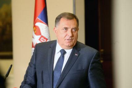 TRAŽI SE NAČIN Dodik: Moguće povećanje plata zdravstvu, policiji i prosvjeti u Srpskoj