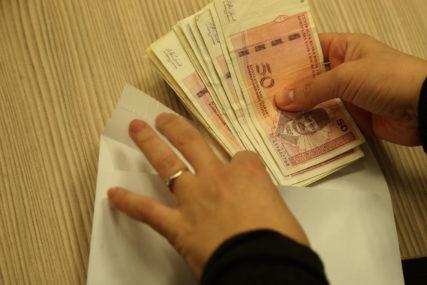 PLJAČKA U AUTOMAT KLUBU Pokazao lažnu legitimaciju pa ukrao poslovne knjige i 5.000 KM