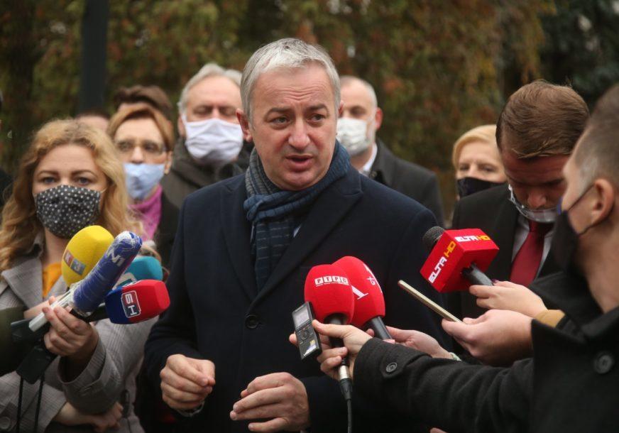 """""""POZIVAM DODIKA DA SE URAZUMI"""" Borenović poručio da vlast pokušava da ograniči legitimno izabrane gradonačelnike"""
