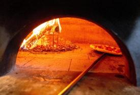 INCIDENT U PICERIJI Pojeli picu, odbili da plate, pa pretukli radnika