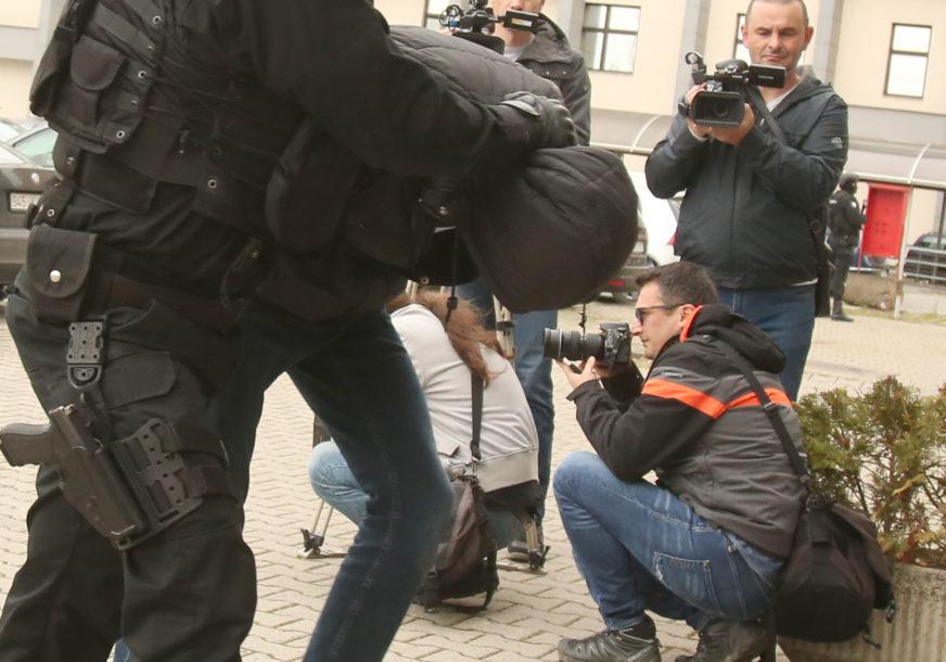 OSUMNJIČEN ZA FALSIFIKOVANJE KREDITNIH KARTICA Pripadnici FUP u Tešnju uhapsili jednu osobu